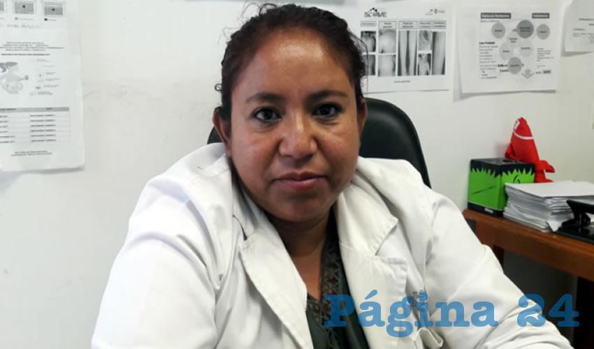 Doctora, Rosa María Cerna Luna