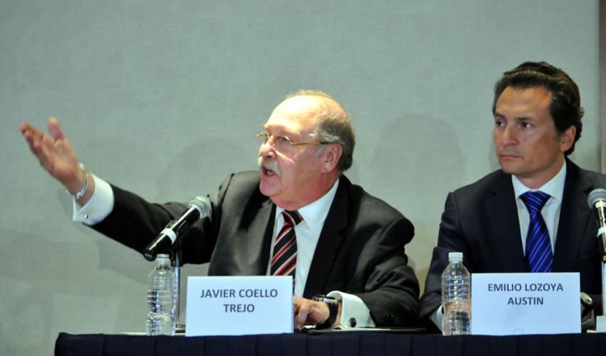 Ciudad de México.- El abogado Javier Coello Trejo en compañía de su defendido Emilio Lozoya (Foto: Diego Simón Sánchez/ Cuartoscuro)