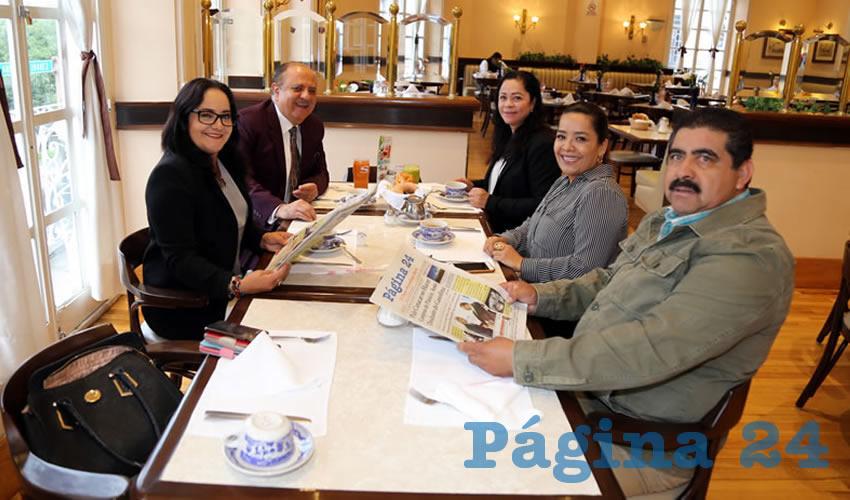En Sanborns Francia almorzaron los diputados Nidia Acosta Lozano, Sergio Reynoso Talamantes, Josefina Moreno Pérez, Elsa Amabel Landín Olivares y David Nájera Moreno