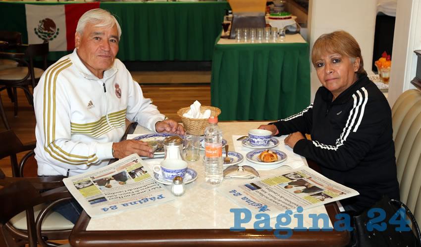 Esteban Torres Sarabia y Rosa María Esquivel Caudillo compartieron el primer alimento del día en Sanborns Francia