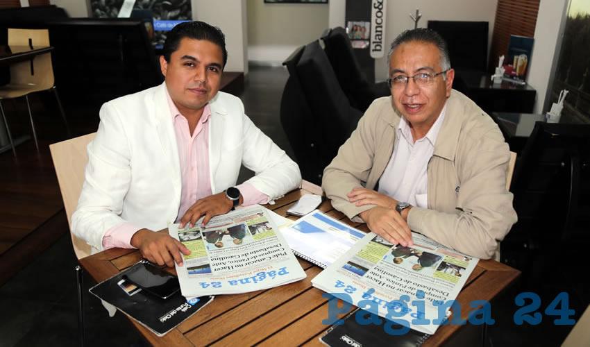 En Café Punta del Cielo departieron Andrés Escobedo Rivera, funcionario estatal de Gobierno, y Mario Bravo de Luna