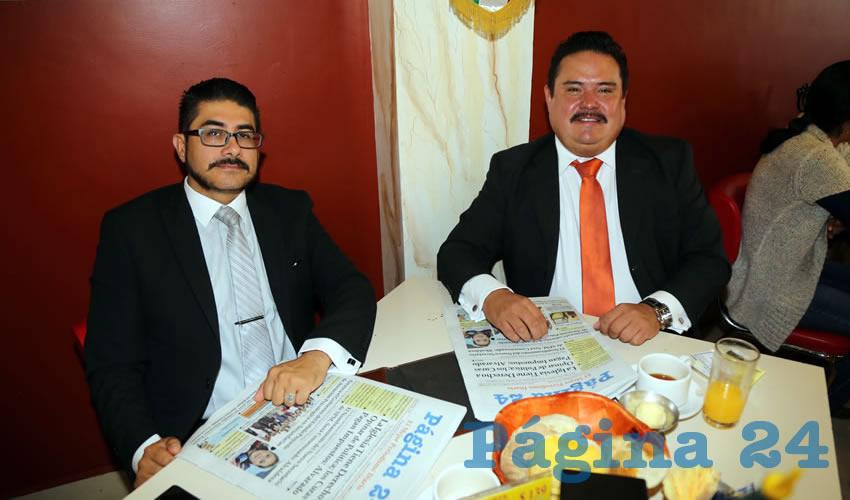 En el restaurante Mitla desayunaron Ricardo Curiel García e Ismael Martínez Ramos, ambos abogados de profesión