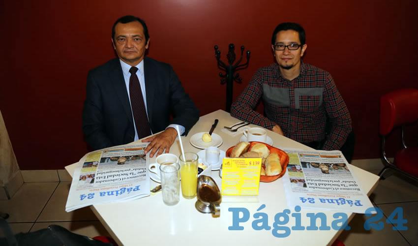 Alfonso Rivero Luna y Mario Rivero Cáceres, presidente de la Coscac, compartieron el primer alimento del día en el restaurante Mitla