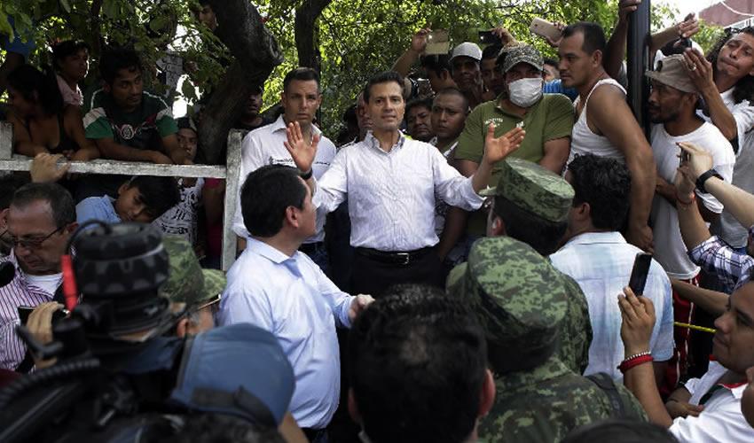 Juchitán, Oaxaca.- El presidente de México, Enrique Peña Nieto (Foto: Presidencia)