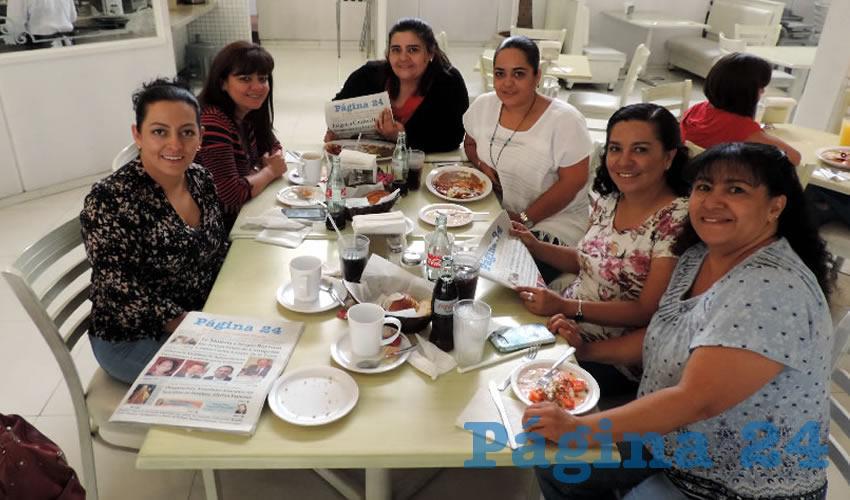 Alma Carreón, Sandra Lomelí, Gabriela Lomelí, Fany Guel, Paz y Zobeida Carreón compartieron el pan y la sal en el restaurante Del Centro