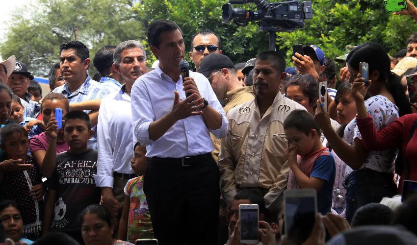 La Reconstrucción de sus Casas Llevará Tiempo, Advierte Peña Nieto a Poblanos