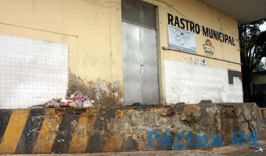 Niegan verter al drenaje desechos de rastro de Tonalá