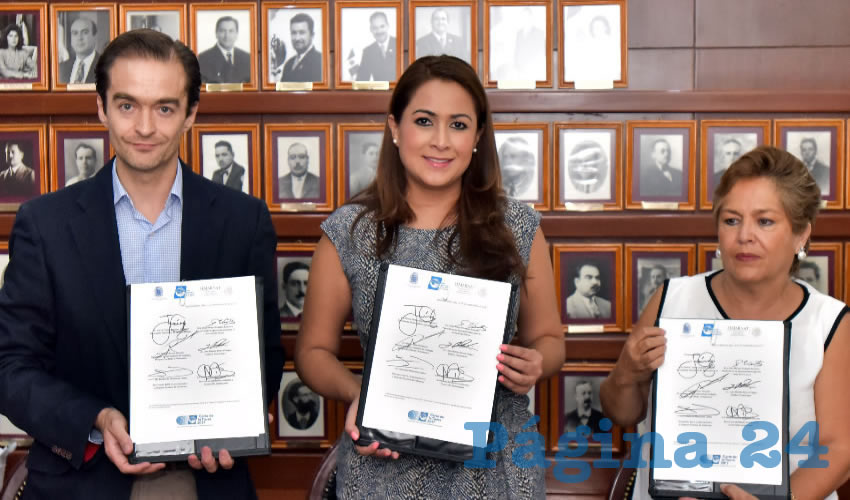 """Firma la Alcaldesa Tere Jiménez el Convenio """"Carta de la Tierra"""""""