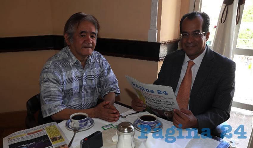 En Sanborns Francia departieron Heriberto Bonilla Barrón, periodista, y Francisco Martínez Delgado, diputado local