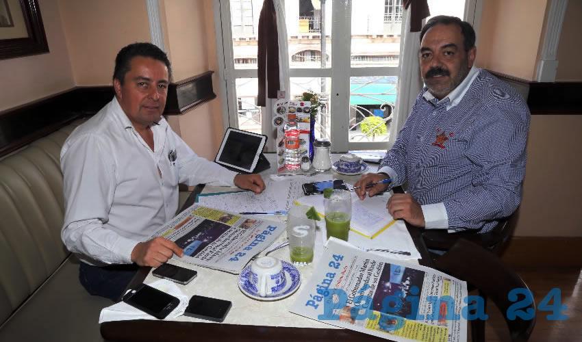 En Sanborns Francia departieron José de Jesús Altamira Acosta, titular de la Sicom, y Francisco Javier Rodríguez Anaya