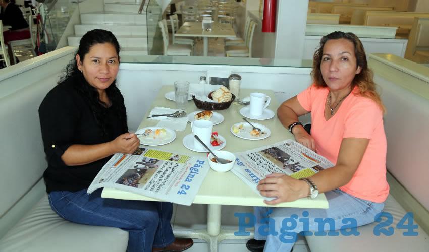 En el restaurante Del Centro compartieron el primer alimento de la mañana Rosalba Elías Olalde y Angelina González Hernández