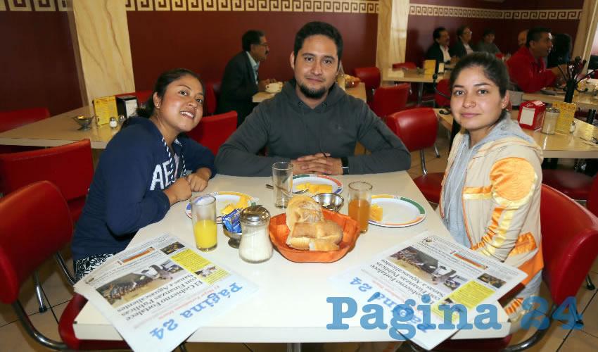 En el restaurante Mitla almorzaron Elizabeth Vargas Muñoz, Julio Emanuel Ramírez Flores y Dulce Muñoz Vargas
