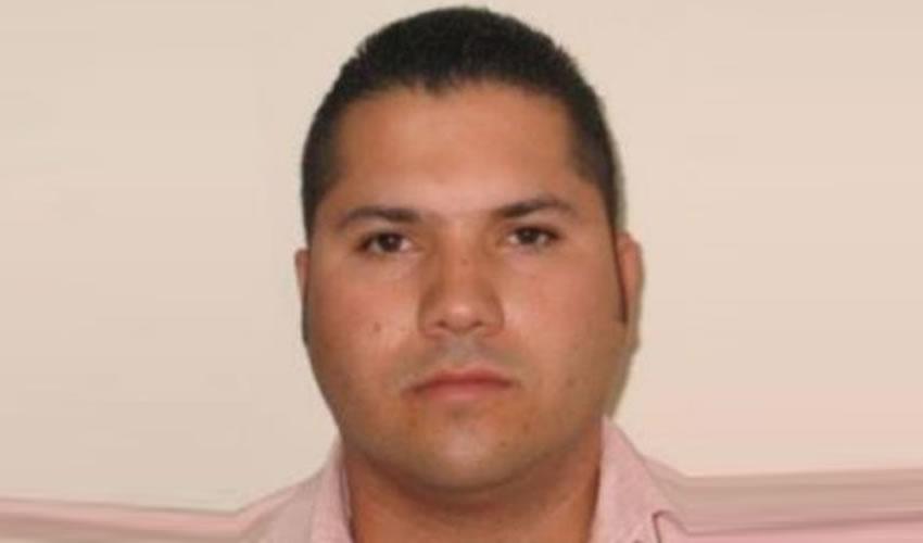 Fausto Isidro Meza-Flores ...en EU no les tapan los ojos...