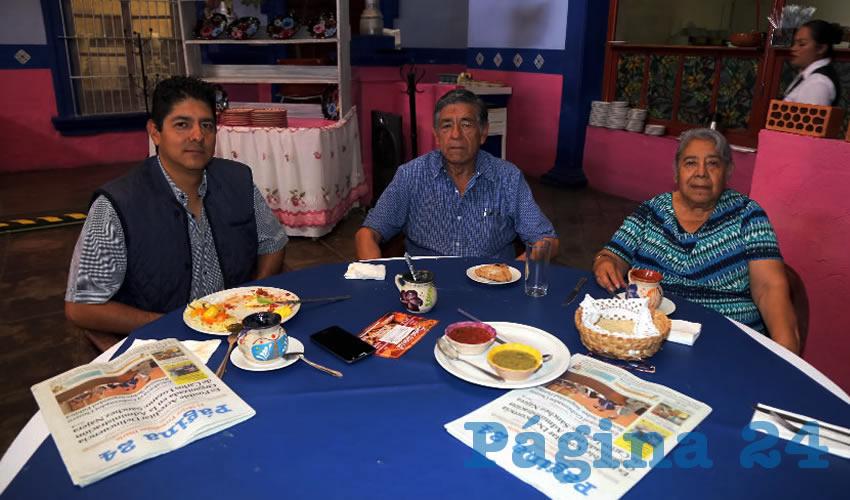 En La Saturnina almorzaron Jorge Saldívar Vargas, Jorge Saldívar Vilchis y Concepción Vargas de Saldívar