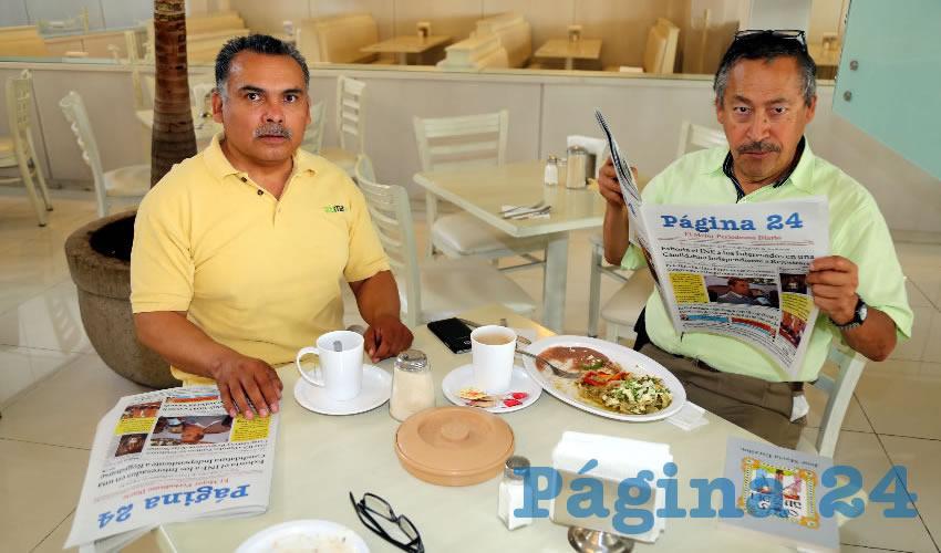 En el restaurante Del Centro compartieron el primer alimento de la mañana José Martín Durón Juárez y Ricardo Alba Rodríguez
