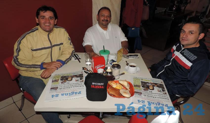 Xavier Von Hauske, Rafael Valdés Ortiz y Héctor López desayunaron en el restaurante Mitla