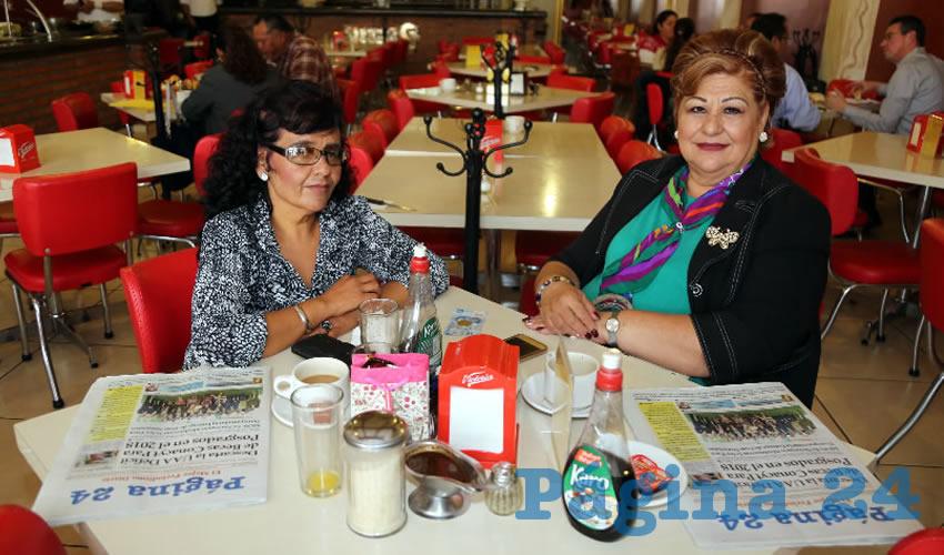En el restaurante Mitla compartieron el pan y la sal Alejandra Esparza Esparza y Arcelia Martínez Sánchez