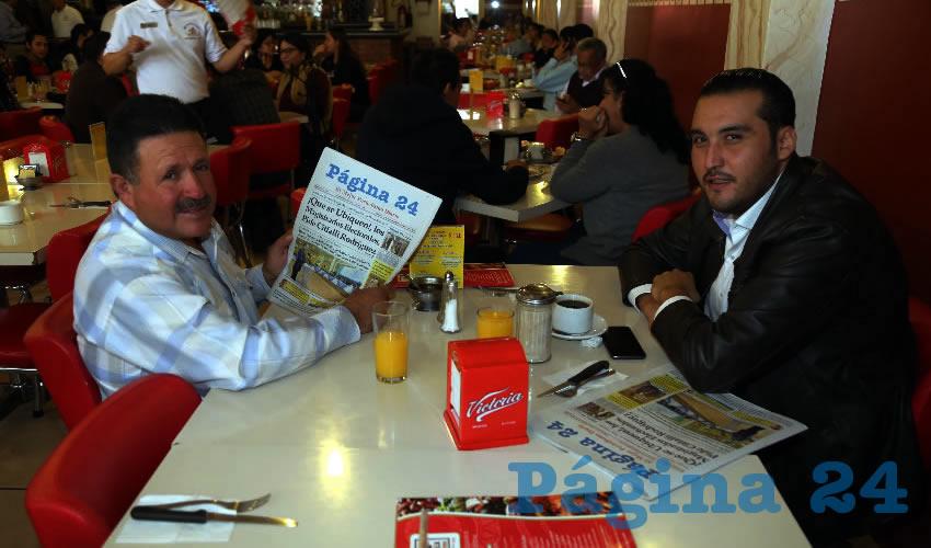 En el restaurante Mitla almorzaron José Manuel González Mota, expresidente municipal de Asientos; y Aldo Ruiz Sánchez, presidente del Comité Directivo Estatal de Morena