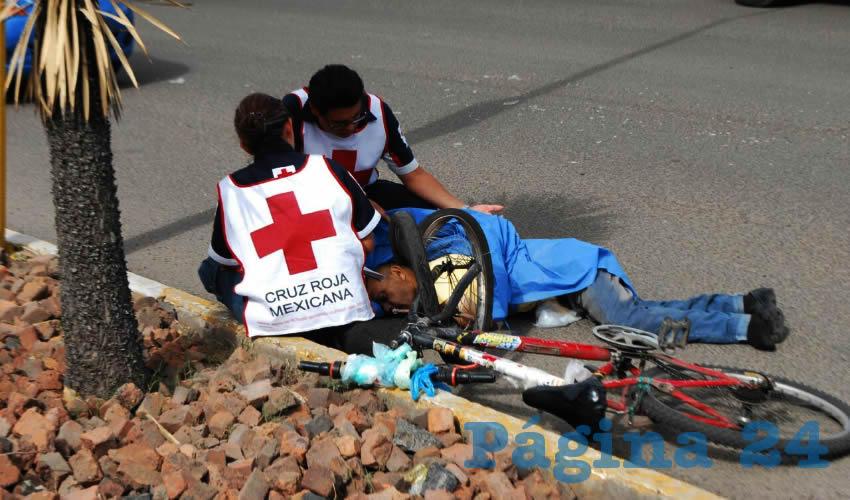 José de Jesús Esparza Saldívar murió a los pocos minutos de ser embestido por una camioneta Nissar Urvan, del negocio Ofix