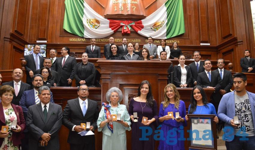 Congreso del Estado Reconoció con Medalllas Honoríficas a Ciudadanos