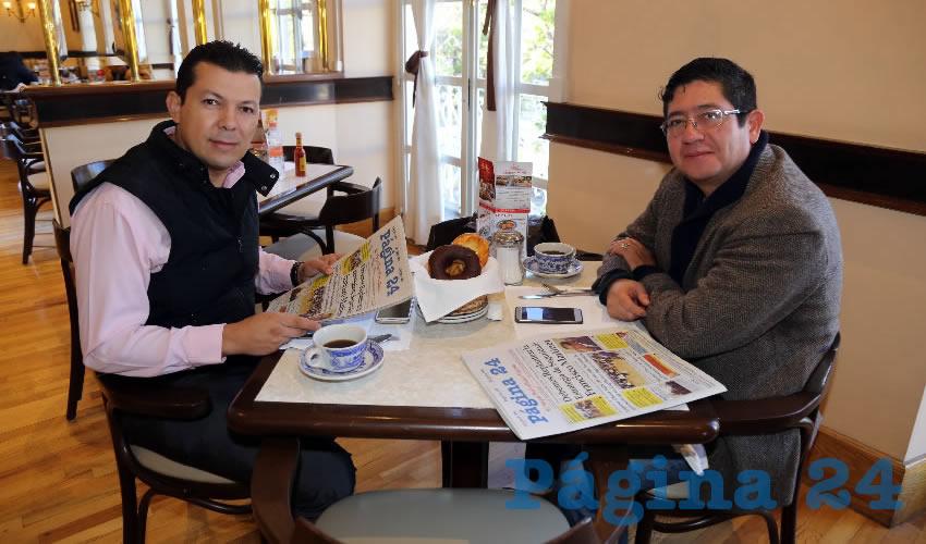 Los empresarios Orlando Martínez Cornejo y Horacio Dávila Villaseca compartieron el pan y la sal en Sanborns Francia