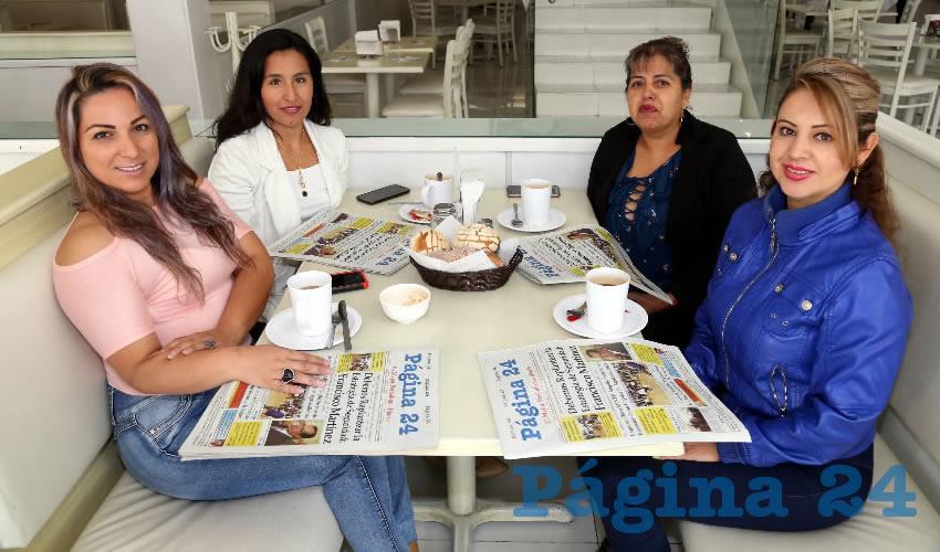 En el restaurante Del Centro desayunaron y festejaron Érika Landeros Farías, quien cumplió años; Cynthia Estefani Regis Sandoval, Martha Sandoval Campos y Tere Santos Reyes, también en su onomástico