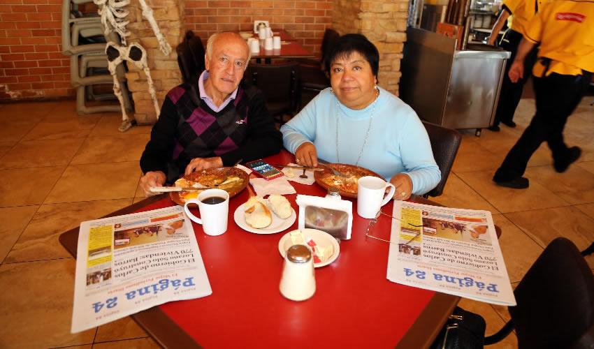 En Las Antorchas desayunaron Raymundo Padilla Chávez y Yesenia Coronel Díaz