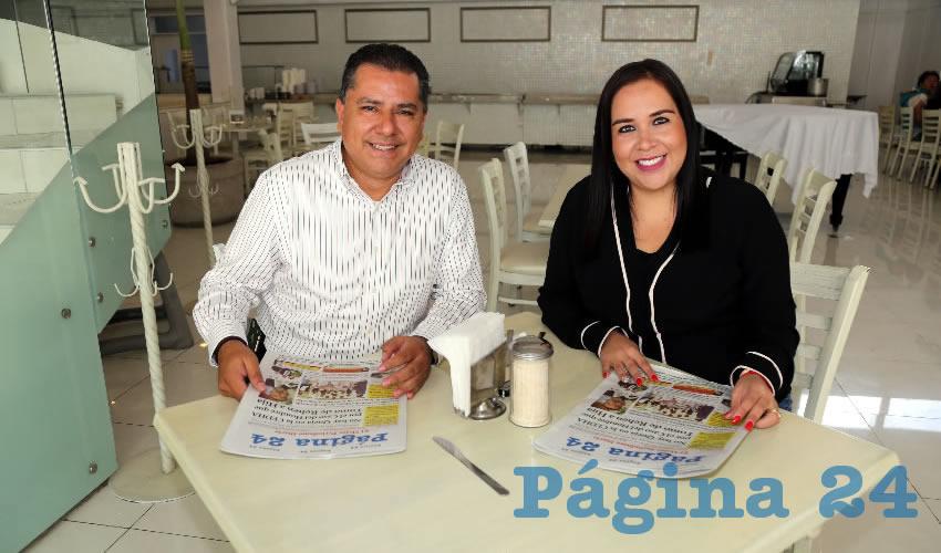 En el restaurante Del Centro almorzaron Enrique Juárez Ramírez, presidente del Comité Directivo Estatal del PRI; y Miriam Dennis Ibarra Rangel, secretaria general del PRI