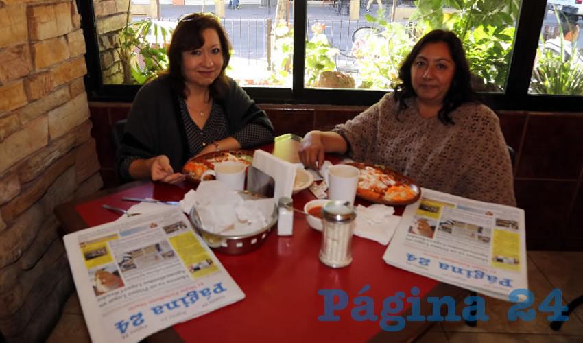En Las Antorchas desayunaron Liliana Delgado Trejo y Cecilia Rodríguez Pérez
