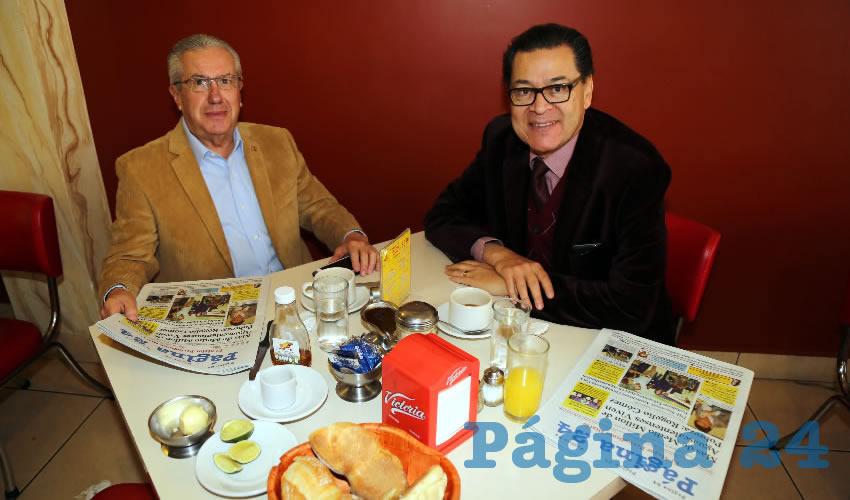 En el restaurante Mitla almorzaron Gonzalo García Buenrostro, delegado de la Procuraduría Agraria, y Francisco Sánchez de Lira, delegado de Banobras