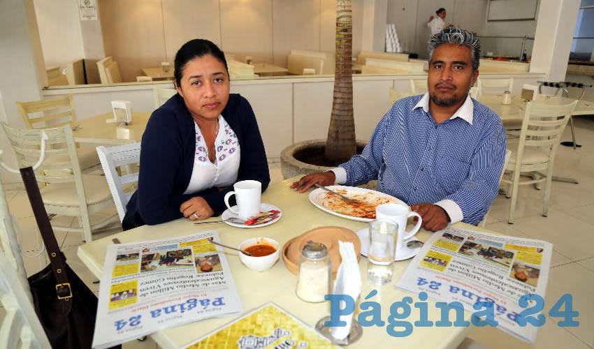 En el restaurante Del Centro compartieron el primer alimento del día Rocío López Sarce y Damián Ruiz Vázquez