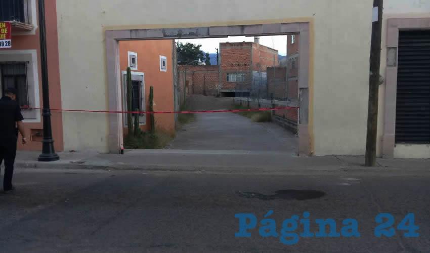 """Detalle del sitio donde cayó Ramón Esparza Ortega """"El Tuza"""", tras ser baleado e in- Destrozan una Palmera tentar huir"""