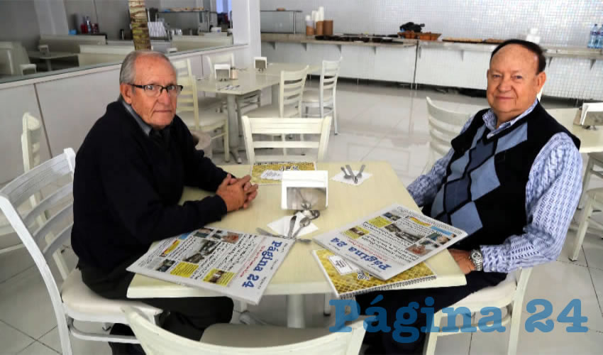 En el restaurante Del Centro compartieron el pan y la sal los hermanos José Eudave Esparza y Salvador Eudave Esparza, microempresarios