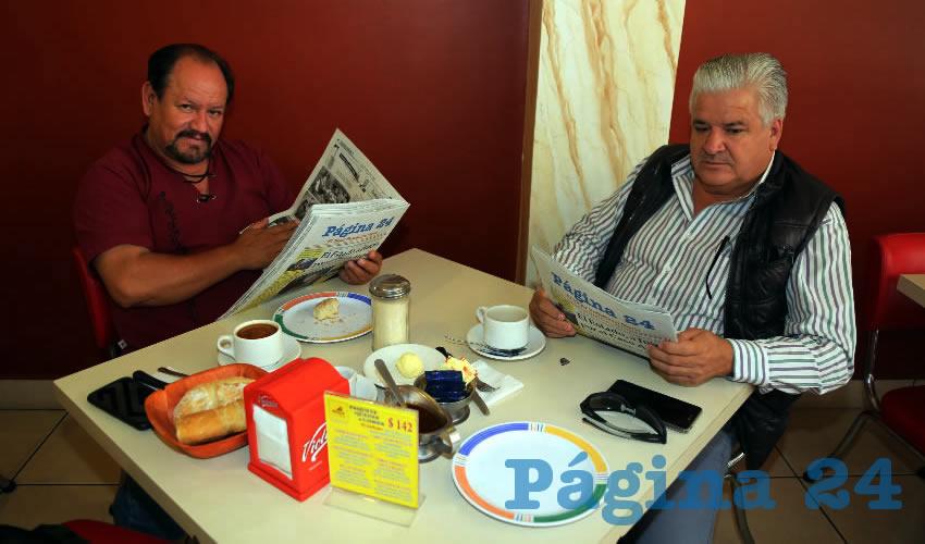 En el restaurante Mitla compartieron el pan y la sal Cecilio Ávila García y Rubén Acosta Gutiérrez