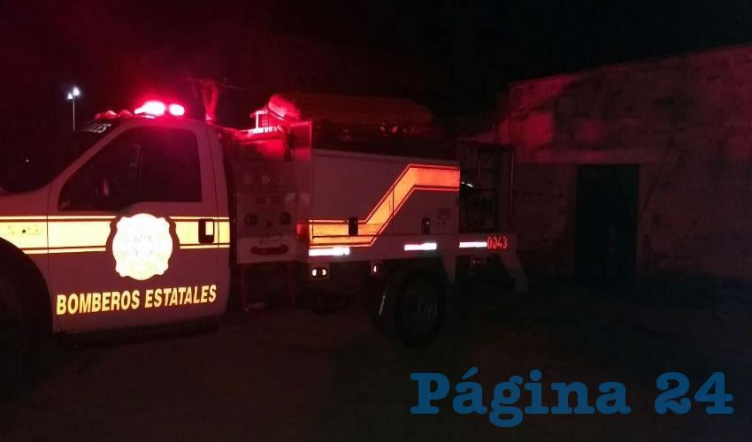 Bomberos estatales se encargaron de sofocar las llamas
