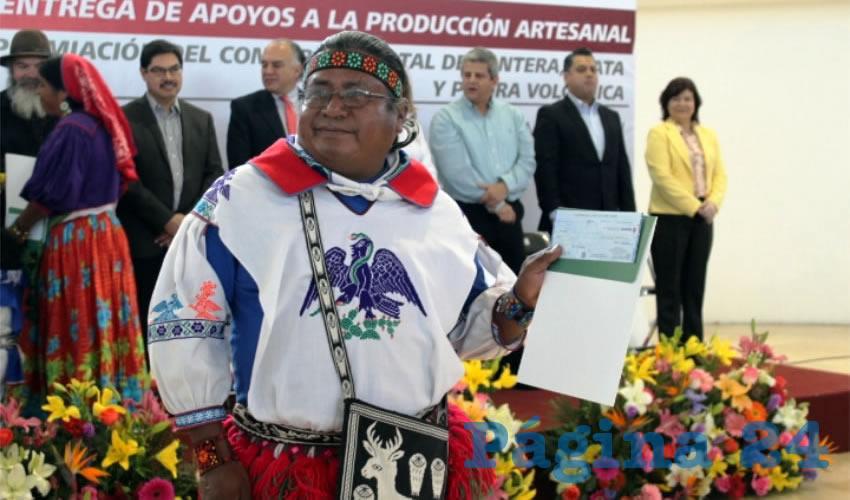 Durante el presente año, artesanos de la entidad han recibido apoyos federales por más de tres millones 400 mil pesos