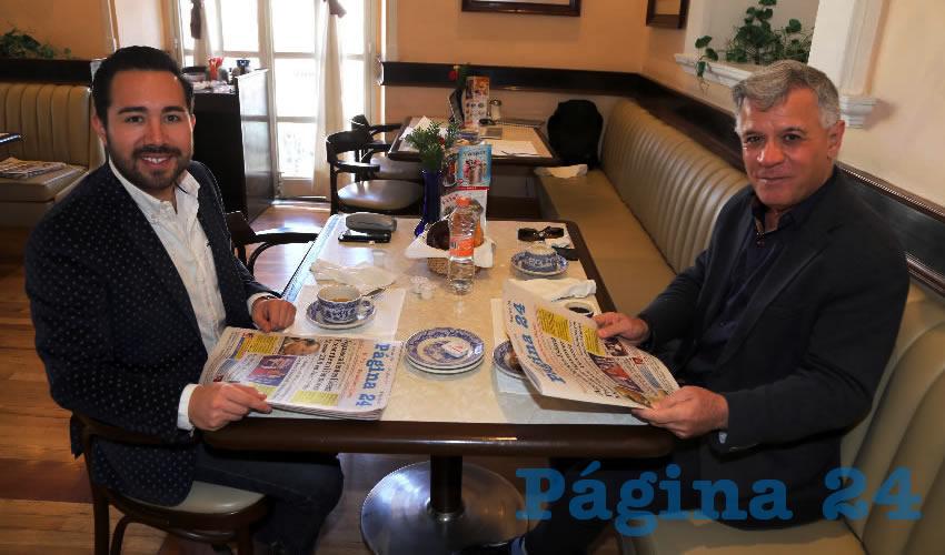 En Sanborns Francia almorzaron Jesús Guillermo Gutiérrez Ruiz Esparza, diputado local, y José Ángel González Serna, presidente del Patronato de la Feria de San Marcos