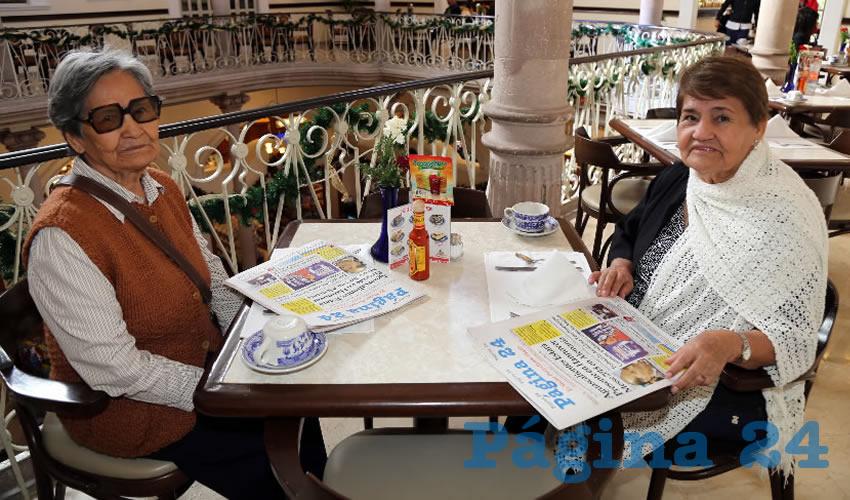 María Guadalupe Vaquera Esquivel y Teresa de Jesús Vaquera Esquivel desayunaron en Sanborns Francia