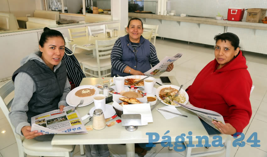 En el restaurante Del Centro compartieron el pan y la sal Arlette Sandoval Bolaños, Alma Delia Castorena Moreno y María Guadalupe Guardado Morales