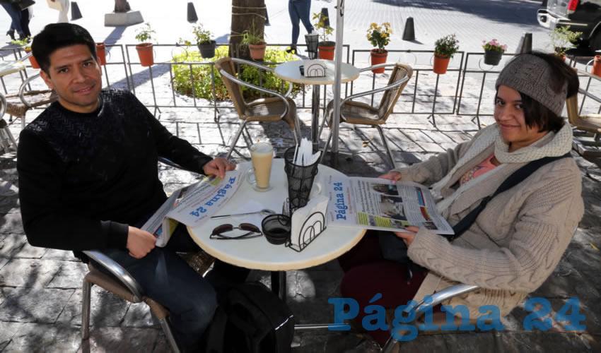 En Café Catedral departieron Luis Manuel Romero González y María del Carmen Mendiola Illescas
