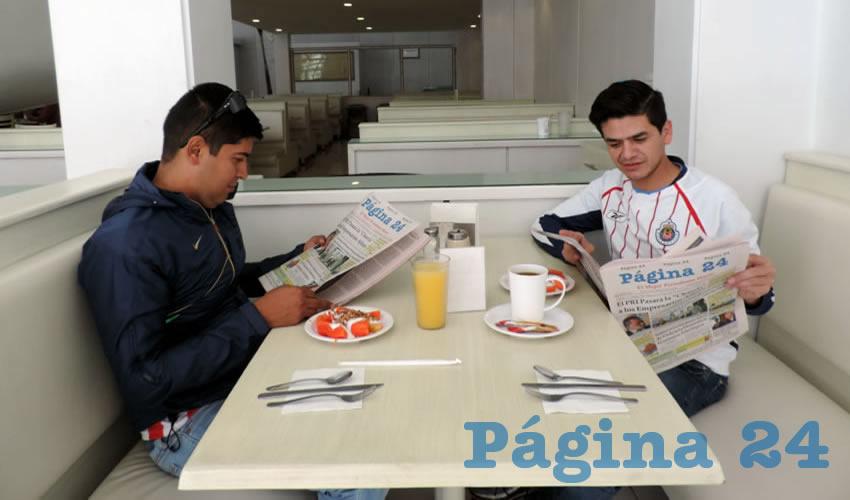 En el restaurante Del Centro desayunaron Leonel Hernández Plascencia y José Juan Hernández