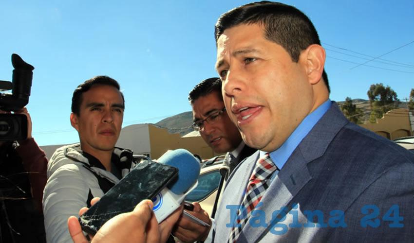 Jorge Miranda Castro, dio a conocer en entrevista que de un padrón de 400 mil vehículos que existen en Zacatecas, hay un número de 20 mil propietarios que no han realizado su pago de tenencia (Foto: Rocío Castro Alvarado)