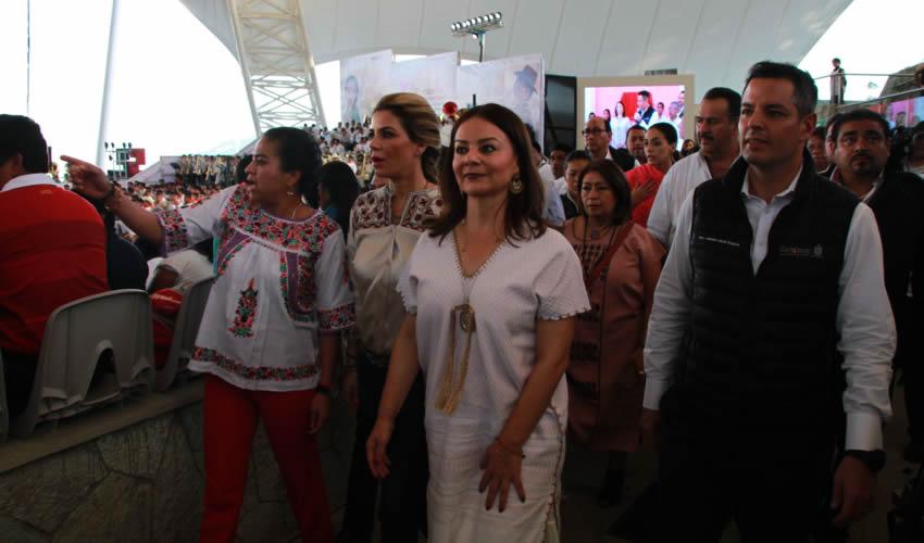 Oaxaca, Oaxaca.- El primer año de gobierno del priísta Alejandro Murat Hinojosa se convirtió en el más violento para las mujeres y niñas (Foto: Arturo Pérez Alfonso/ Cuartoscuro)