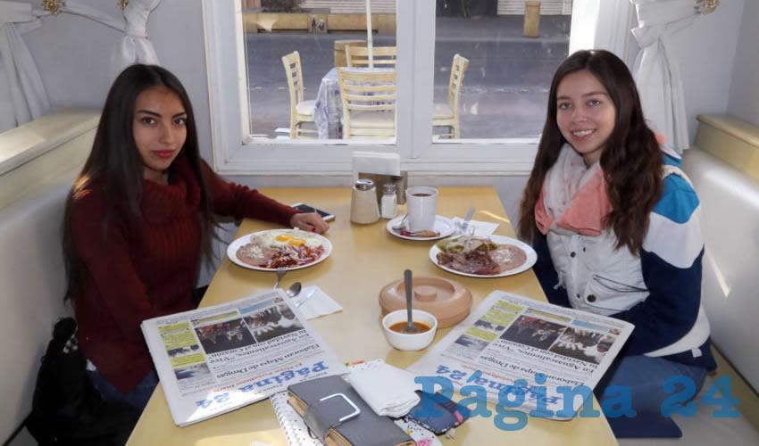 En el restaurante Del Centro almorzaron Natalia Gutiérrez Reynoso y Andrea Galván López