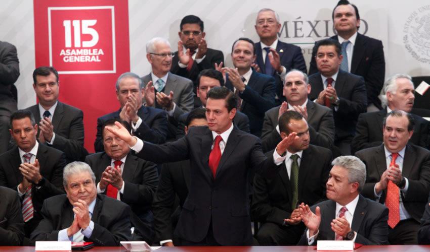 Ciudad de México.- Enrique Peña Nieto, presidente de México, encabezó la 115 Asamblea General del Infonavit (Foto: Moisés Pablo /Cuartoscuro)