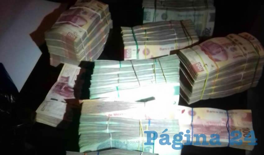 El medio millón de pesos, en billetes de 100 y 200 pesos