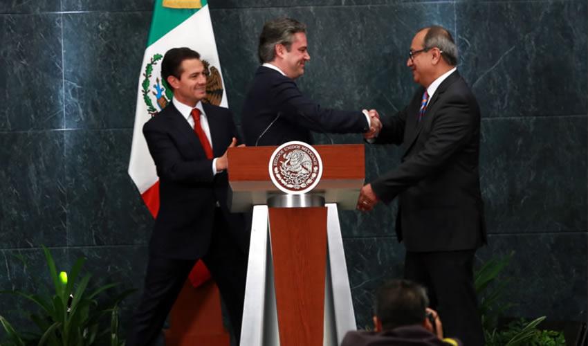 Ciudad de México.- Aurelio Nuño Mayer confirmó su salida del gabinete del priísta Enrique Peña (Foto: Cortesía/Presidencia)