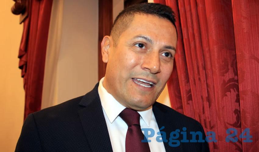 José Juan Estrada Hernández, titular de la Secretaría del Zacatecano Migrante (Foto Rocío Castro)