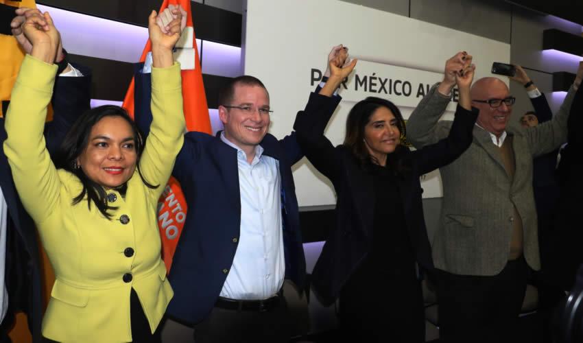 El PAN, el PRD y Movimiento Ciudadano  Registran Coalición Por México al Frente