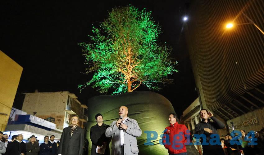 """Para el alcalde Enrique Alfaro la inauguración de """"Árbol adentro"""" es motivo de """"orgullo"""" y no le importan las críticas/Fotos: Cortesía"""